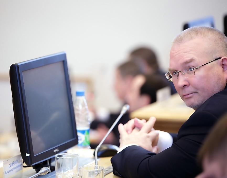 Владимир Семёнов, дума