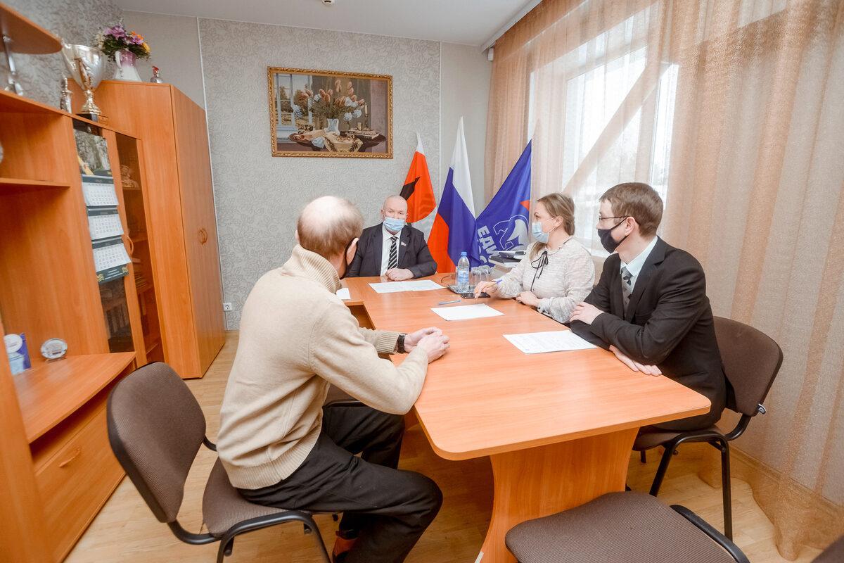 Владимир Семенов, прием граждан
