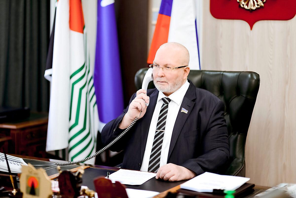 Владимир Семенов, телефон