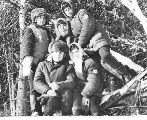 Филоненко Н.Б. - 1974, октябрь. Бригада монтеров пути СМП -198 На строительстве жд Тюмень-Сургут-Нижневартовск