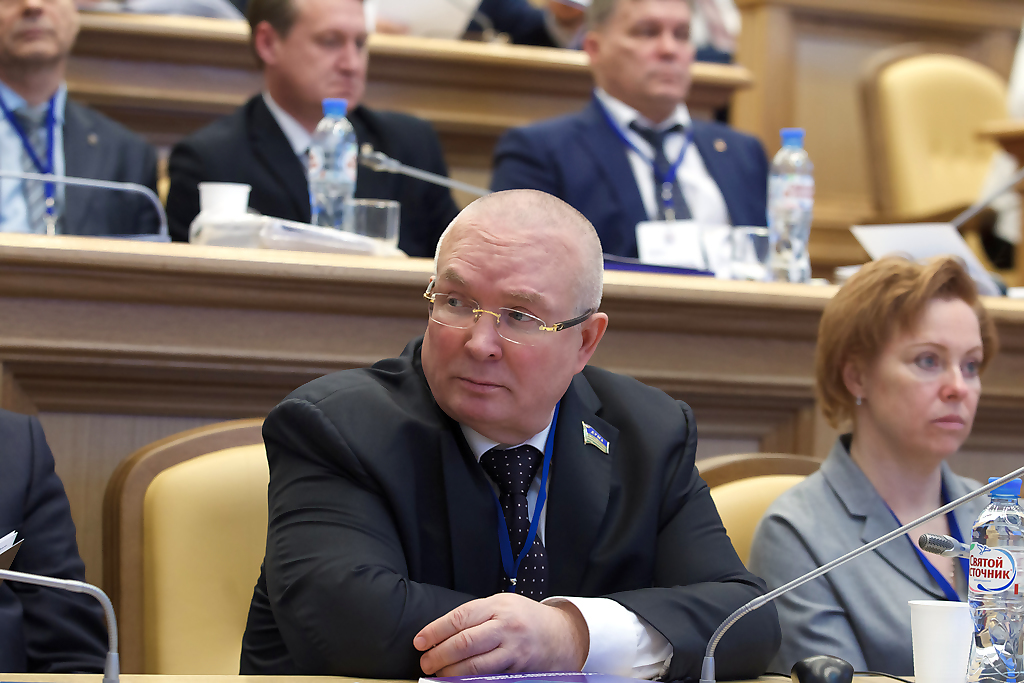 Владимир Семенов, комитет, дума