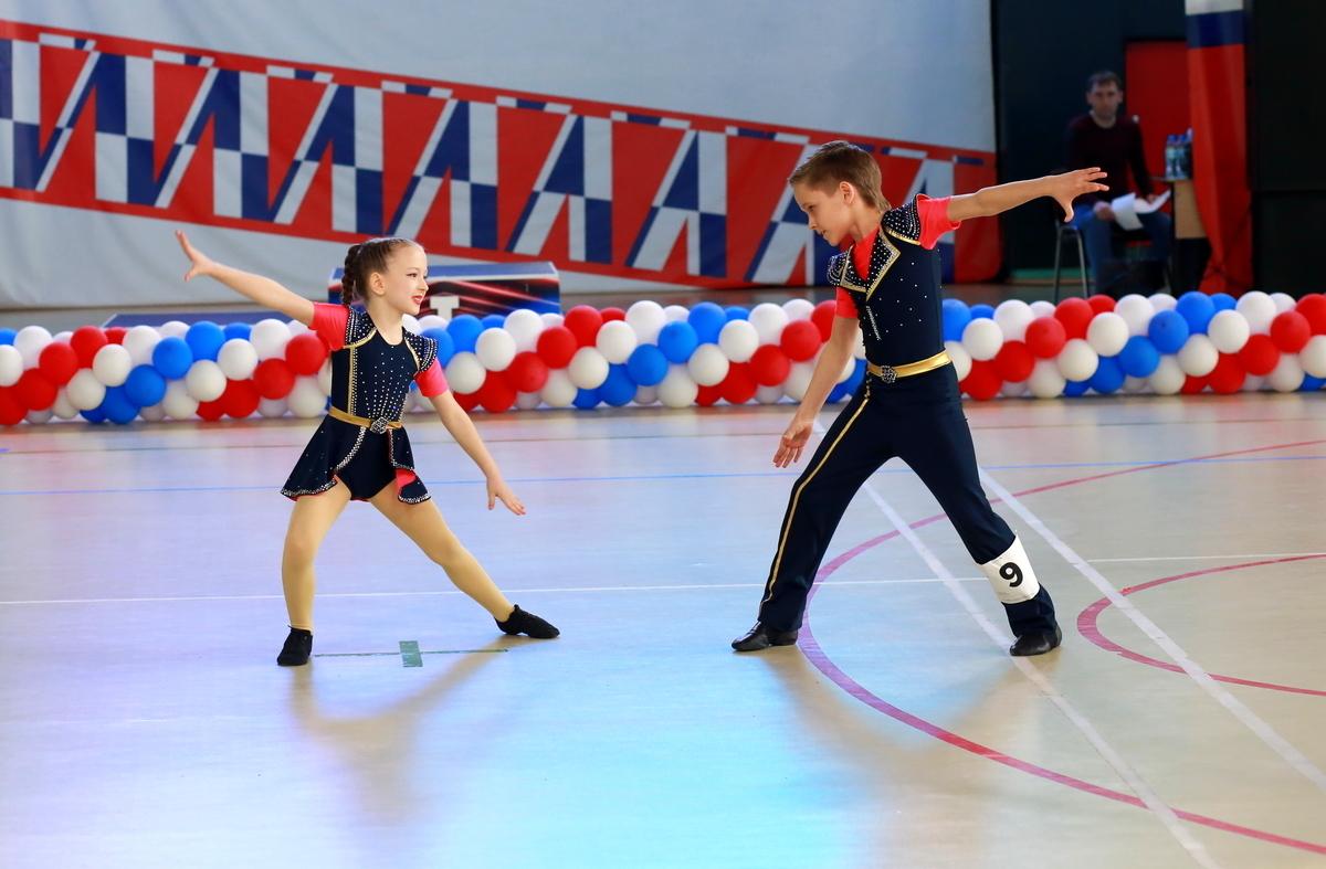 кробатический рок-н-ролл, танец, спорт